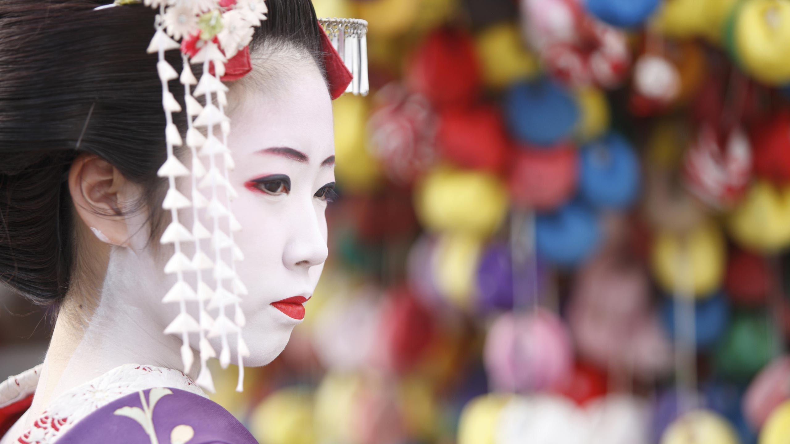 travel company branding hero image geisha girl wendy wu